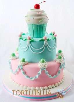 Торт з вишенькою