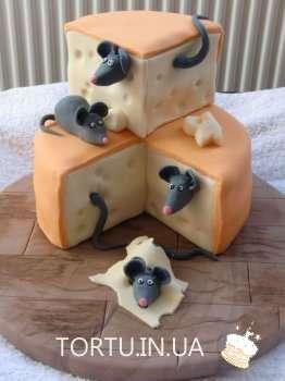 Торт з мишками в сирі