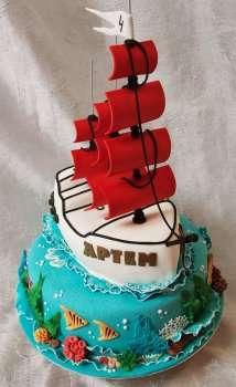 Торт з кораблем