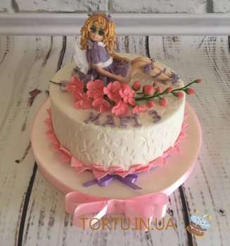 Торт з дівчинкою