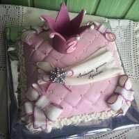 Торт з короною на заказ