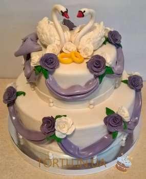 Торт з лебедями