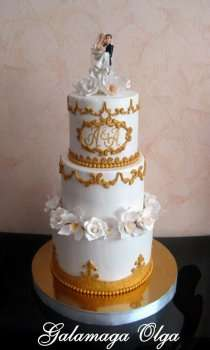 Утонченный свадебный торт