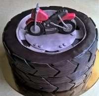 Торт шина для чоловіків