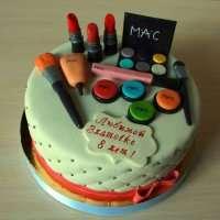 Торт для юной модницы