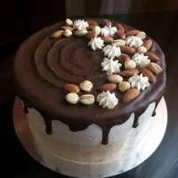 Простий торт з горішками