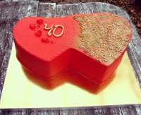 Два сердца - красный торт
